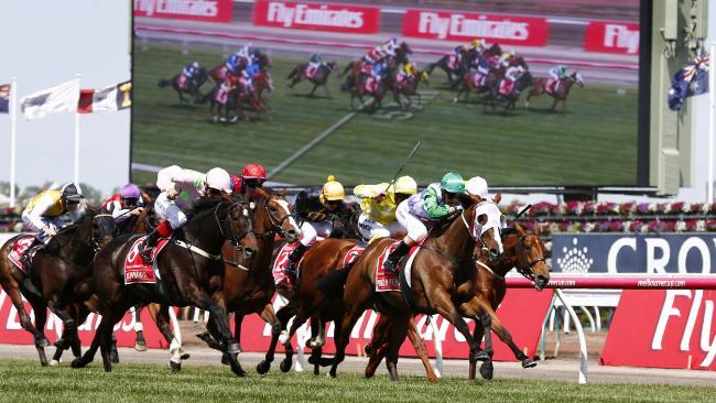 「彭城貴胄」力敵一眾實力馬,贏出墨爾本盃。南半球馬繼2009年再次贏馬。 Source: Colleen Petch/News Corp Australia