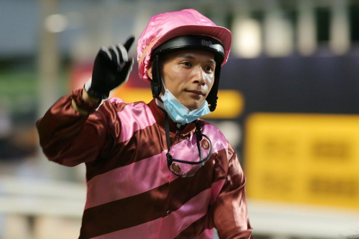 2020-21年香港馬壇大事回顧(6),騎練拼盡力為保勢力